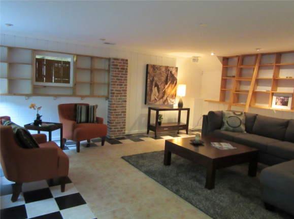 13714 Ashby Rd, Rockville, MD 20853, living room
