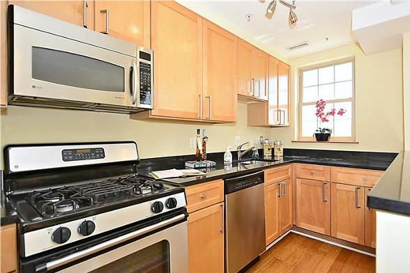 1417 Newton St NW, Washington, DC 20010, kitchen