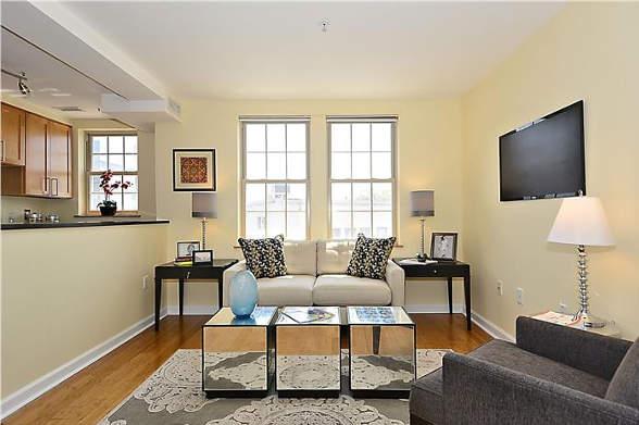 1417 Newton St NW, Washington, DC 20010, living room