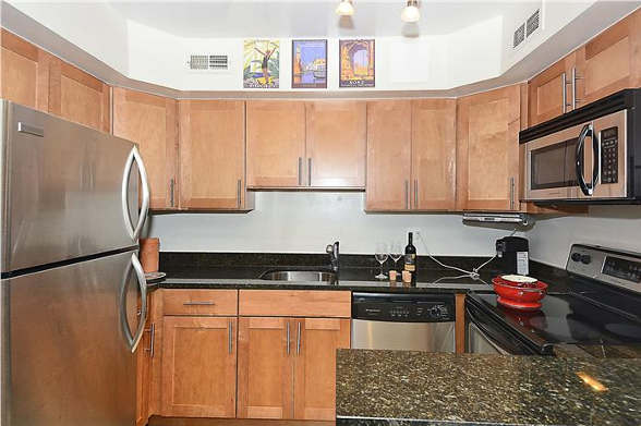 3821 Porter St, NW Washington, DC 20016, kitchen