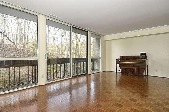 Living room, 4960 Sentinel, Apt 301, Bethesda, MD