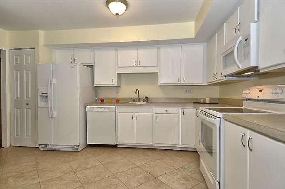 4960 Sentinel Drive, #301 Bethesda kitchen