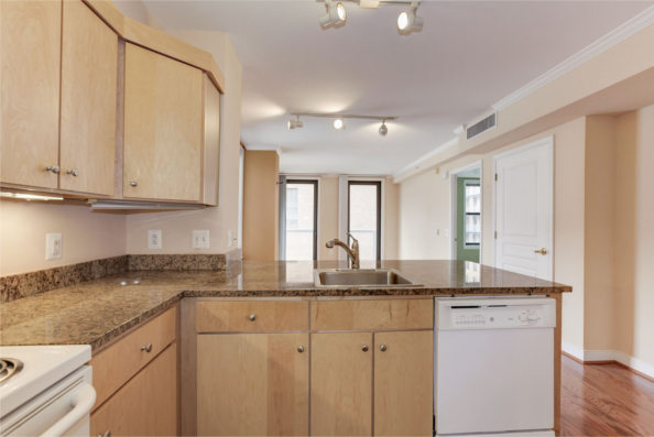631 D Street, NW, Apt 735, Washington, DC 20004, kitchen
