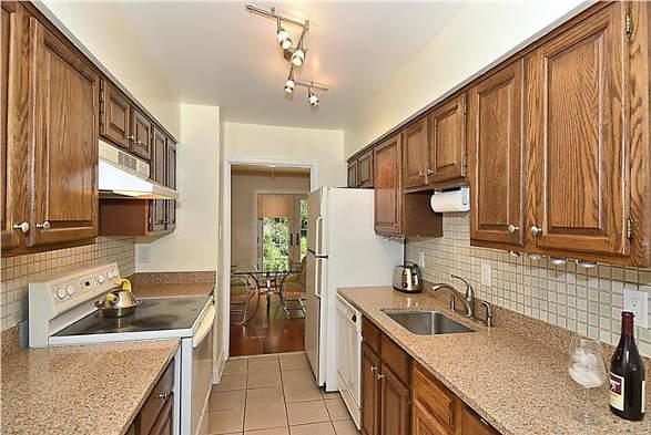 7809 Heatherton Ln., Potomac, MD 20854, kitchen