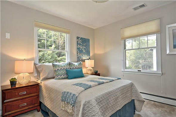 8 Valley View Ave, Takoma Park, MD 20912, second bedroom