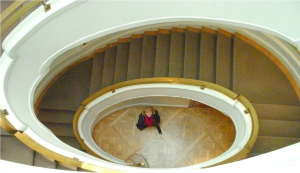 Phillips Collection stairwell: Alice looking up